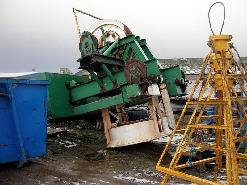 Saturation Diving Companies : Gantry type bell handling system second hand and used